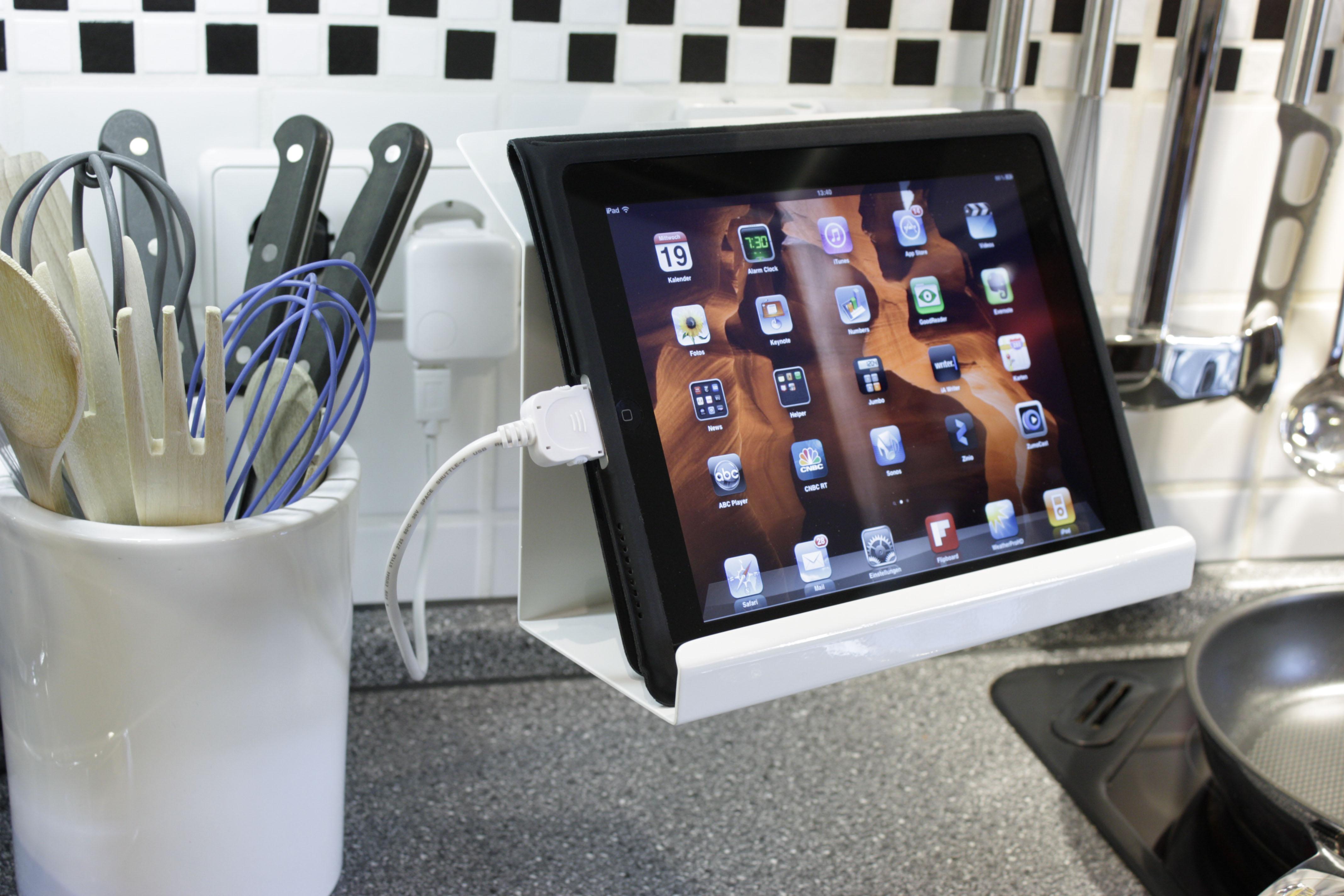 das g bl reef ist der lieblingsplatz der tablets. Black Bedroom Furniture Sets. Home Design Ideas