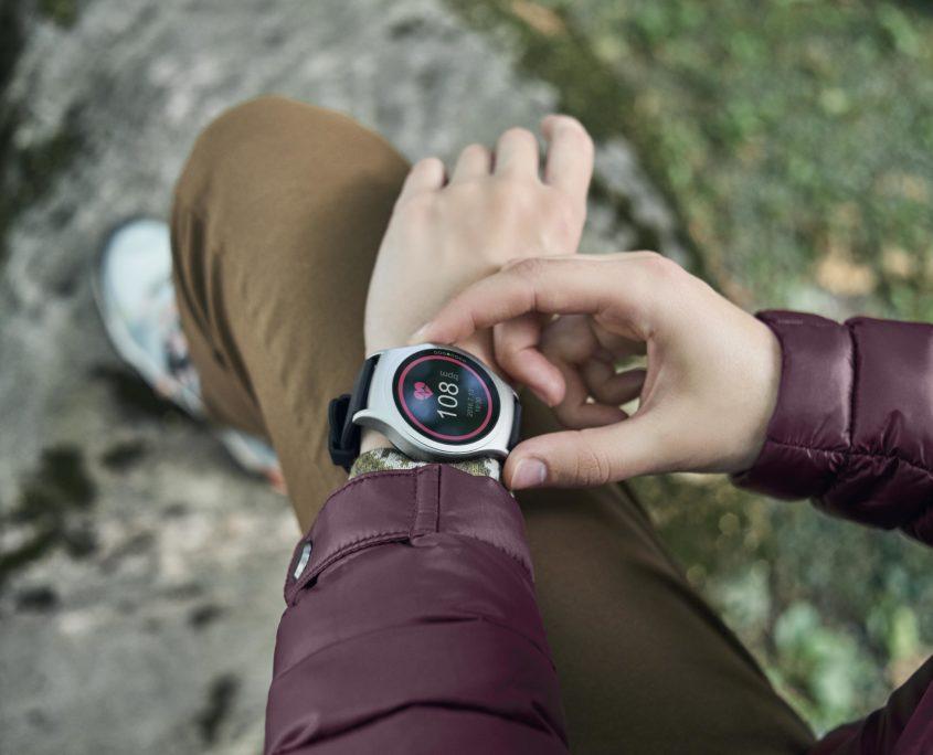 smartwatch acme sw201 bietet sprachsteuerung und viele. Black Bedroom Furniture Sets. Home Design Ideas