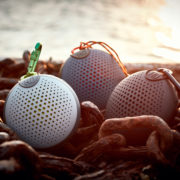 Boompods Aquablaster in drei Farben: Mood-Bild